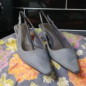 BANDOLINO Genuine Gray Suede Slingback Heels 7.5